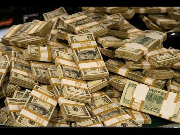 Игрок получил выигрыш 17300 долларов в автомат Cash Splash